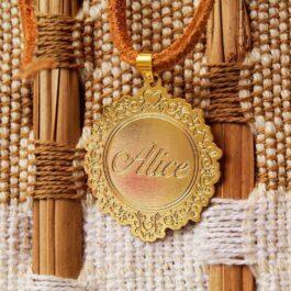medalha para lembrança de nascimento de bebê