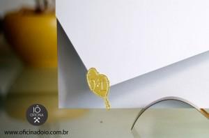 Selo-de-convite-estilo-terço-Iniciais-dos-noivos